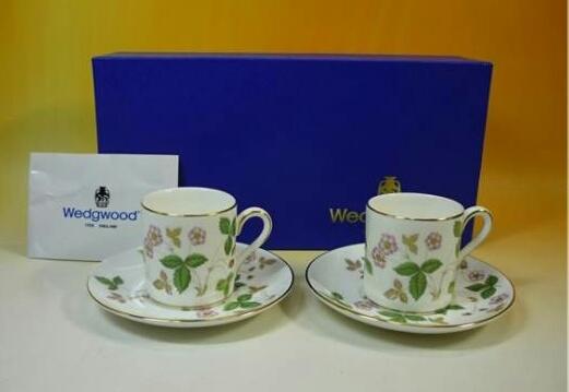 ウエッジウッドWEDGWOOD ワイルドストロベリー ペアカップ